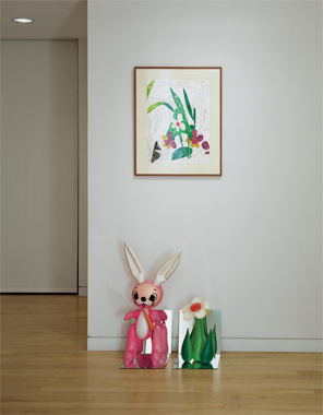 Inflatable Flower and Bunny (Tall White, Pink Bunny)