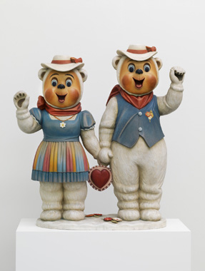 Winter Bears by Jeff Koons. Pop Life - Art in a Material World, Tate Modern, 2009-2010.
